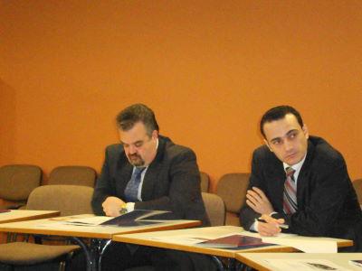 Дипломаты на встрече в международном выставочном центре